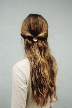 Handmade Hammered Brass Hair Accessory | Kapelika on Etsy #haircuff #barrette