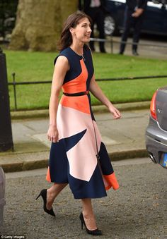 Samantha Cameron, emerged from Number 10 accompanied by her family in a mid-length graphic print dress with zip detailing costing from Serbian born designer Roksanda. Samantha Cameron, Dresses For Work, Summer Dresses, Roksanda, Clothing Labels, Stylish Girl, Work Fashion, Style Me, Celebrity Style