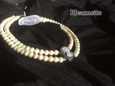 Handmade pearl necklace with cameo pendant. Vintage. Sprit from metropolis old Belgrade. For elegant ladies