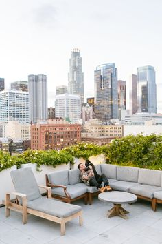 A Vibrant Urban Jungle Paradise in a Downtown LA Loft Wooden Trellis, Warm And Cool Colors, Garden Stand, Outdoor Seating Areas, Outdoor Spaces, Rooftop Garden, Rooftop Deck, Outdoor Furniture Sets, Outdoor Decor