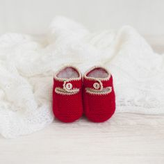 Patucos primera puesta – ALittleDress Baby Shoes, Slippers, Ralph Lauren, Cute, Kids Footwear, Clothes, Fashion, Make Shoes, Kid Shoes