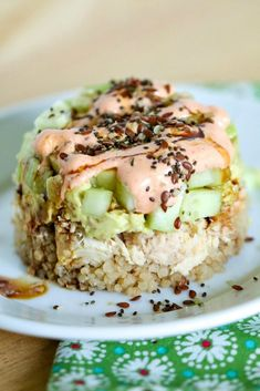 For a quick, easy and delicious meal, try these Spicy Tuna Quinoa Stacks! Full of flavor and good for you, too! Tuna Stack Recipe, Healthy Tuna Recipes, Quinoa Sushi, Canned Tuna Recipes, Spicy Recipes, Cooking Recipes, Fresh Tuna Recipes, Sushi Sushi