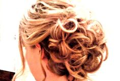 Wedding hair. Bun.