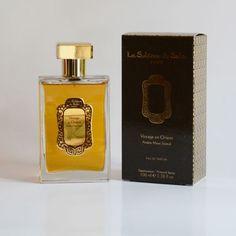 Le parfum « Ambre Musc et Santal » possède le pouvoir de créer chez chacun ce qu'il y a de plus enfoui, de plus secret, l'émotion. Il se porte comme une seconde peau en toute légèreté.  Sur la peau, il devient suave comme un frisson de sensualité.
