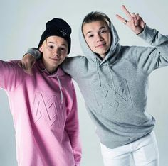 cutie 💕 Marcus & Martinus 💎❤ on We Heart It Best Backrounds, Mike Singer, Bars And Melody, Dream Boyfriend, Love U Forever, Youtuber, Twin Brothers, Celebs, Celebrities