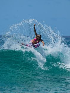 Stephanie Gilmore #ROXYpro #POPsurf http://www.roxy.com/progoldcoast
