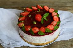 Cheesecake rece cu ciocolata si zmeura - CAIETUL CU RETETE