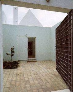 Eduardo Souto De Moura. House in Algarve. 1984-89