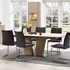 SM37 Extending Dining Table from Skovby | Mia Stanza