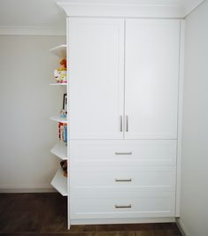 WARDROBE / WALK IN ROBE - Custom designed wardrobes using white polyurethane with a 'shaker' style door and chrome handles. With open shaped shelving on the side. Diy Closet Shelves, Clothes Closet Design, Closet Designs, Shoe Shelf In Closet, Closet Organizer With Drawers, White Wood Shelves, Shelves, Closet Organization Designs, Closet Doors