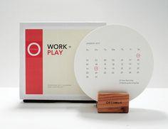 こちらのカレンダーはコースターの形をしたカレンダー!丸くて可愛らしいですね!