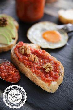 Kahvaltılık Köz Biberli ve Domatesli Sos