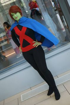 Miss Martian / M'gann M'orzz / Megan Morse (Young Justice) cosplayed by Stephbot Dc Costumes, Halloween Costumes For Teens, Super Hero Costumes, Halloween Cosplay, Cool Costumes, Teen Titans Cosplay, Dc Cosplay, Cosplay Ideas, Superboy And Miss Martian