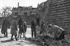 Hungarian Ambiance: Budapest after the aerial bombardment in the second world war and today