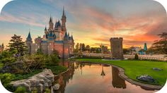 The best hacks for Magic Kingdom! Definitely trying the early breakfast reservation before the park opens. Photo op!