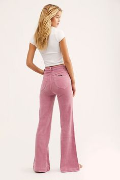 A rosey pink pair of cord flares. Anyone who likes cords in colors check out their Wild Honey colored ones. Indie Outfits, Grunge Outfits, Cute Outfits, Fashion Outfits, Dope Fashion, Punk Fashion, Lolita Fashion, Fashion Pants, 70s Inspired Fashion