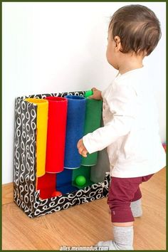 Color tube: DIY toys inspired by Montessori - In the first . - Color tube: Montessori-inspired do-it-yourself toys – In the first few months, your baby will pre - Toddler Learning Activities, Baby Learning, Montessori Activities, Infant Activities, Color Activities, 8 Month Old Activities, Preschool Toys, Montessori Color, Baby Sensory Play
