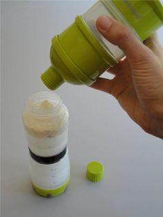 #Dozownik używamy do porcjowania i przechowywania mleka modyfikowanego. Ze względu na budowę jest przydatny zarówno w podróży jak i w domu. Łatwe napełnianie butelki porcjowanym mlekiem. Dozownik składa się z 3 części/porcji.Paulandstella