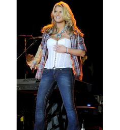 Jessica Simpson - country outfit