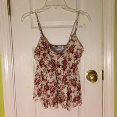 Charlotte Russe top Gorgeous floral pattern. Size small. Like new. Open to offers!!! Charlotte Russe Tops