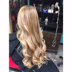 Strawberry blonde balayage hair color by Tori