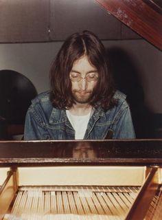 Endless me: Photo John Lennon 1969, Jhon Lennon, John Lennon Yoko Ono, John Lennon And Yoko, Imagine John Lennon, John Lennon Beatles, Les Beatles, The Fab Four, Rock Bands
