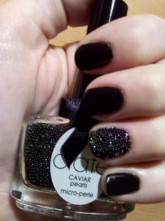 Gave the Caviar a try on an accent nail...must say I kind of like it!
