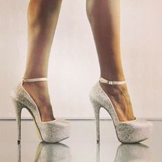 #deeny #shoes #highheels #platform #stones #glam #stevemadden #shoedazz