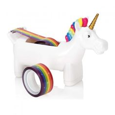 Klebebandabroller Einhorn jetzt im design3000.de Shop kaufen! Raus aus dem Alltag, rein ins Wunderland – in den wundervollsten Regenbogenfarben...