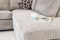 Initial Coffee Mugs, Sofa Design, Guest Room, Sofas, Ottoman, House Design, Living Room, Pallets, Interior