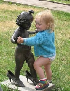 These statue posers are taking their creativity to a new level just to tickle your funny bone. They definitely know how to have fun with statues and lucky for us, they took pictures! Shall We Dance, Lets Dance, Funny Pictures For Kids, Funny Photos, Funniest Pictures, Hilarious Pictures, Epic Pictures, Funny Images, Strange Pictures
