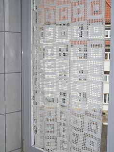 Strickpauliesel: Gardine im Bad
