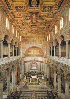 Basílica de Santa Inés. Roma, siglo IV. Se construyó sobre el lugar de martirio y enterramiento de la santa y sobre una de las mayores catacumbas de Roma, con varios kilómetros de galerías. Muy próxima a ella se encuentra el Mausoleo de Constanza.