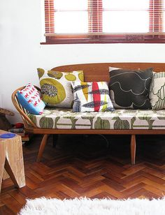 ercol daybed with fab cushions