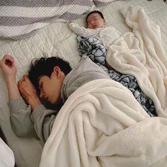 Cute Asian Babies, Korean Babies, Asian Kids, Cute Babies, Father And Baby, Dad Baby, Baby Boy, Father Daughter, Cute Little Baby