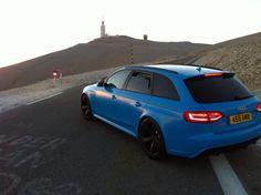 Yup. Sprint Blue/Black B8.5 RS4