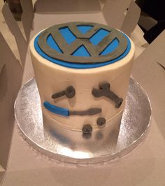 Vw Logo 18th Birthday Cake Made By Sweetsbysuzie