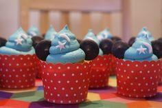 Sorcerer Mickey cupcakes from LottieDoesDisney! Full instructions