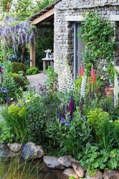 Welcome to Yorkshire garden wins BBC's People's Choice Award — Harrogate Informer Eco Garden, Lake Garden, Seaside Garden, Garden Oasis, Dream Garden, Back Gardens, Outdoor Gardens, Welcome To Yorkshire, Chelsea Garden