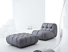 Превосходный серый диван в гостиной