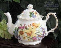Heirloom Spring Garden Vintage 1940 Bone China 4 Cup Teapot