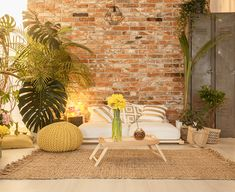 Living Ideas and Interior Design Trends 2018 Meditation Corner, Meditation Garden, 2018 Interior Design Trends, Luxury Interior Design, Indoor Zen Garden, Balcony Garden, Terrazas Chill Out, Feng Shui Your Bedroom, Deco Jungle
