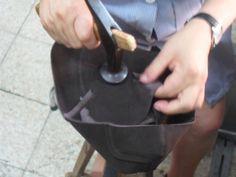 scarpe artigianali battute a martello