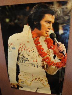 Elvis - Find more items like this at www.lolonlineauctions.com