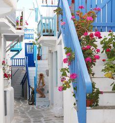 Matoyianni Street, Mykonos, Greece Santorini, Places Around The World, Around The Worlds, Mykonos Island Greece, City Streets, Greek Islands, Places To Travel, Cathedral, Beautiful Places