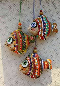 Diy Crafts Love, Diy Arts And Crafts, Crafts To Make, Crafts For Kids, Fish Crafts, Clay Crafts, Yarn Crafts, Paper Crafts, Fish Wall Art