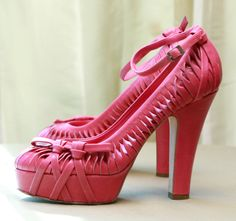 Pink CHRISTIAN DIOR Heels. Love!