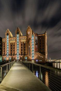 Hamburg Foto vom Maritimes Museum mit der León-Brücke | Bildschönes Hamburg