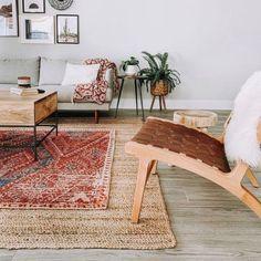 Layered Rug Ideas | Boho Vintage Rugs In Living Room, Living Room Decor, Living Spaces, Aluminum Uses, Bedding Shop, Small Rugs, Modern Boho, House Design, Interior Design