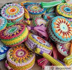 Crochet Coin Purse, Crochet Pouch, Crochet Purses, Crochet Gifts, Crochet Lace, Knitting Patterns, Crochet Patterns, Crochet Woman, Tapestry Crochet